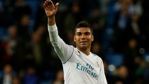 Casemiro em vias de obter passaporte espanhol abre vaga para Militão no Real Madrid