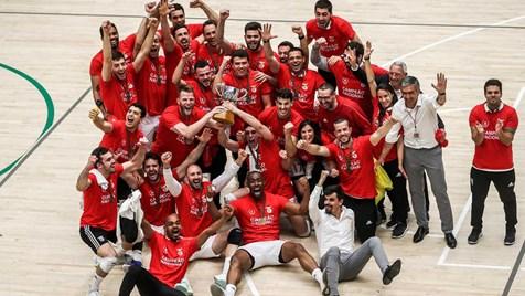 Benfica vence Sporting e sagra-se campeão nacional de voleibol