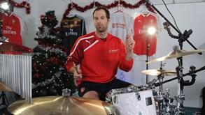 Estes tocam muito: Cech na bateria, Jackson na voz e Gullit no baixo...
