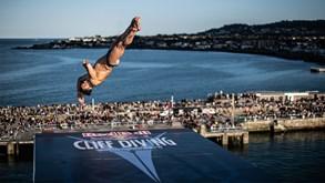Red Bull Cliff Diving: Constantin Popovici e Rhiannan Iffland quebraram o gelo na Irlanda