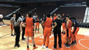 Connecticut Sun-Indiana Fever: As emoções da WNBA