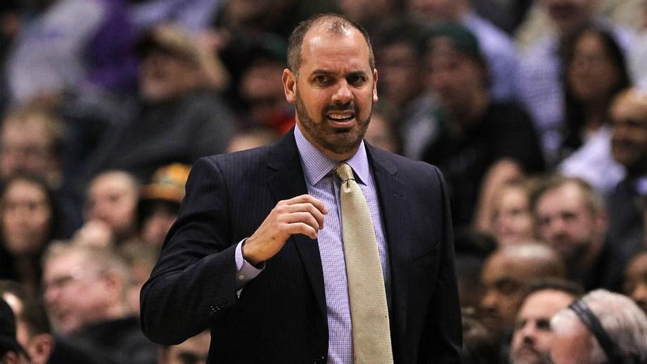 Frank Vogel é o novo treinador dos Lakers, diz imprensa