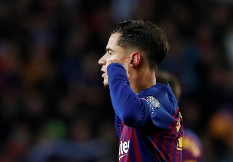Philippe Coutinho - El medio no ha tenido una tarea fácil en su paso por el Barcelona y es el más apuntado para abandonar el club catalán este verano.  El Barça espera conseguir negociar al brasileño por más de 100 millones, después de haber llegado por 140 millones hace un año y medio.