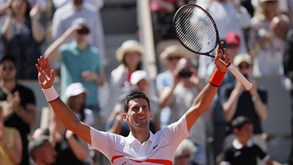 Djokovic qualifica-se para os oitavos de final