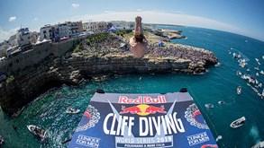 Red Bull Cliff Diving: Campeões arrasadores em Polignano a Mare