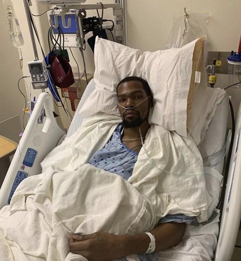 Kevin Durant Visivelmente Abalado Após Operação Ao Tendão