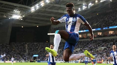 FC Porto marca dois golos seguidos e já goleia o V. Setúbal