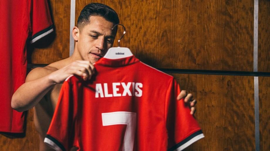 Alexis Sánchez llegó al Manchester United de la mano de José Mourinho en enero de 2018 desde el Arsenal.  Los demonios rojos pagaron 70 millones de euros por su pase.
