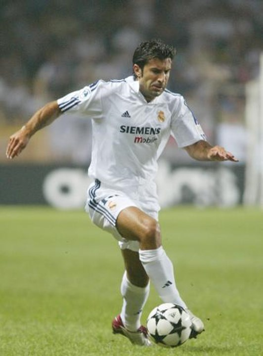 22. Luís Figo (2000/01, Barcelona-Real Madrid, 60 M€), 153,1 M€