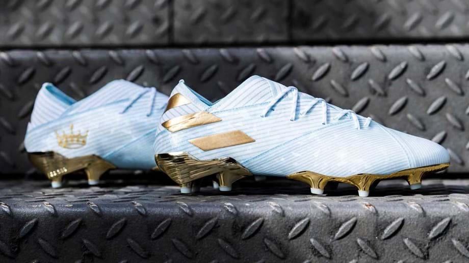 Porque é que são douradas as novas chuteiras de Messi