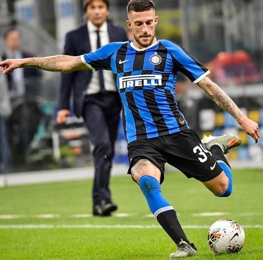22 - Biraghi joga no Inter Milão, emprestado pelo Fiorentina (valor de mercado: 22,6M)