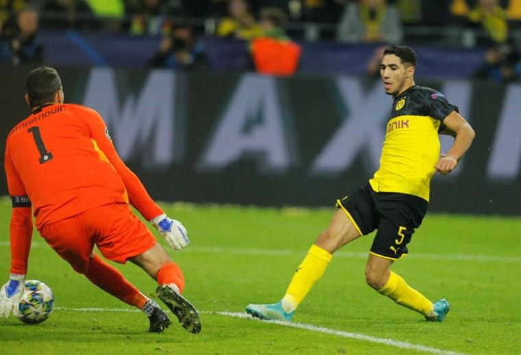 8 - Achraf joga no Borussia Dortmund, emprestado pelo Real Madrid (valor de mercado: 39M)