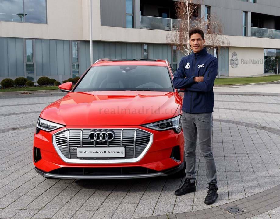 Varane escolheu um Audi e- tron 55 quattro, avaliado em 83.670 mil euros.