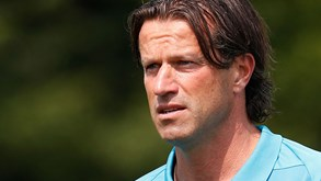 PSV aponta Ernest Faber como treinador interino após saída de Van Bommel