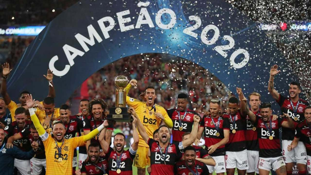 Resultado de imagem para Flamengo, de Jorge Jesus, conquista Supertaça sul-americana