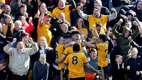 Wolverhampton e Bournemouth banem adeptos por insultos racistas