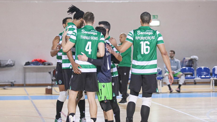 Sporting vence em cinco sets