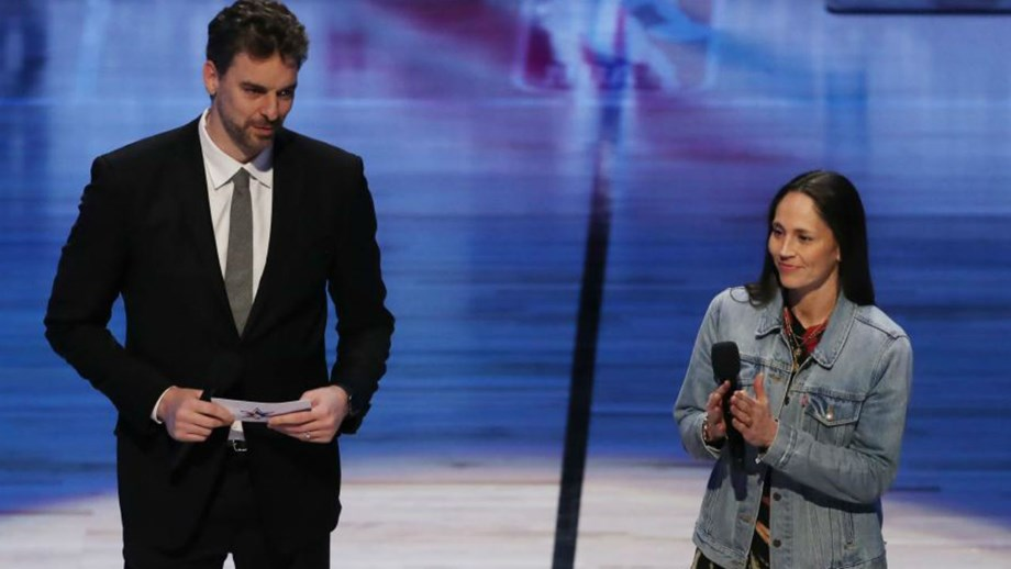 Pau Gasol fala na abertura do All Star e pede