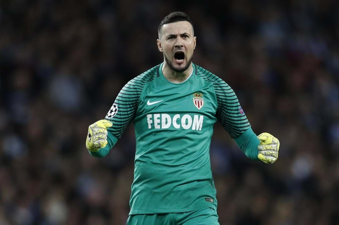Subasic (guarda-redes, 35 anos) - Valor: 1 M€