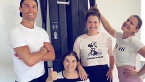 Mãe de Cristiano Ronaldo reúne os filhos e recomenda que se fique por casa
