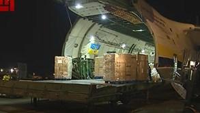 Avião da China aterra no Porto com toneladas de equipamento para combater coronavírus
