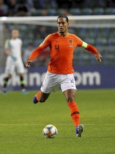 14. Virgil van Dijk (Liverpool), 80M € (100M €)