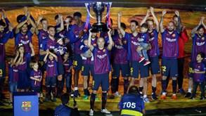 Cacifo limpo e telemóvel na mão até de madrugada: Iniesta disse adeus ao Barça há dois anos
