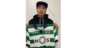 Alan Ruiz leiloa camisola do Sporting