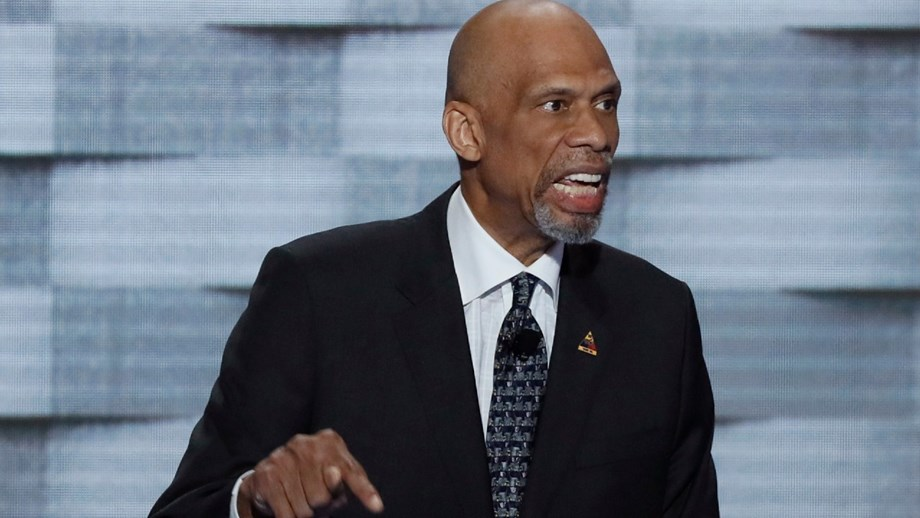 Kareem Abdul-Jabbar: «Vírus do racismo é mais mortal do que a Covid-19»