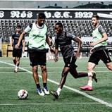 Suliman e Joseph na linha da frente para defrontar o Sporting