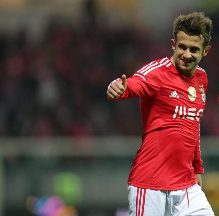 Sulejmani - Saiu no final da temporada 2014/15 para os suíços do Young Boys, clube que atualmente ainda representa. Tem 31 anos.