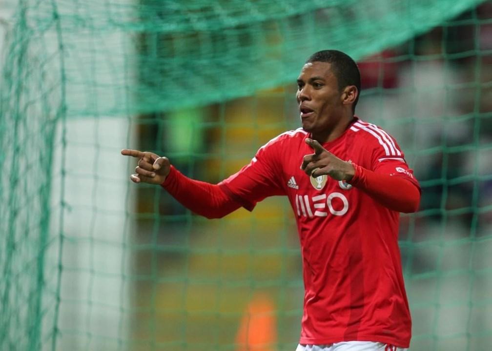 Derley - Depois de sair do Benfica (2017), o avançado brasileiro rumou a outra equipa do principal escalão português de futebol, o Aves, tendo posteriormente seguido para o futebol tailandês, onde ainda representa o Muangthong United.