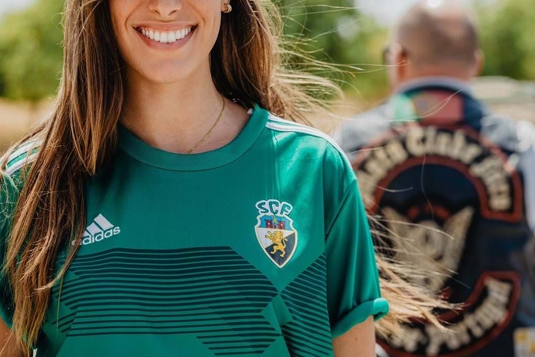 Equipamento principal e alternativo do Farense para 2020/21