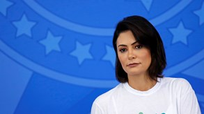 Mulher de Jair Bolsonaro testa positivo à Covid-19