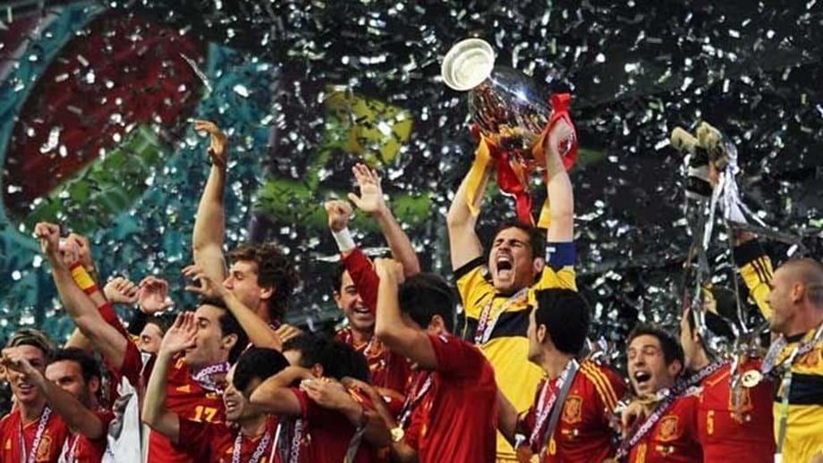 Espanha alcançou inédita glória mundial há 10 anos no apogeu da geração de ouro