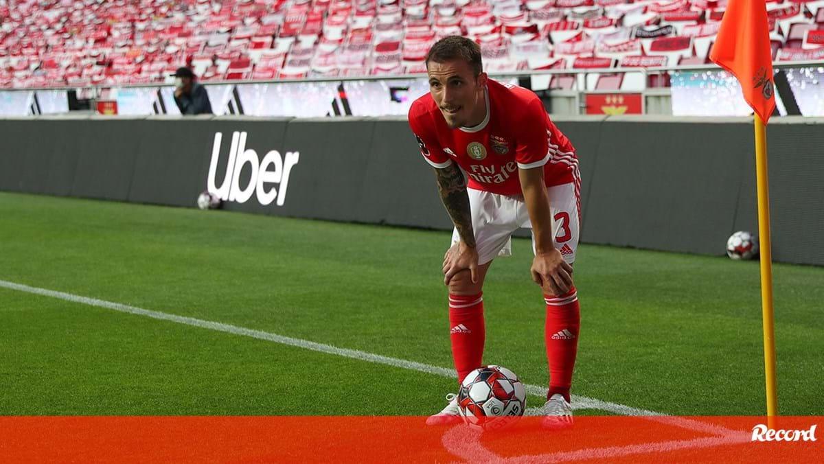 Photo of Grimaldo em risco para a Champions | Record