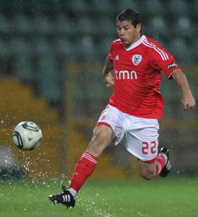 2011/12 - Rodrigo Mora