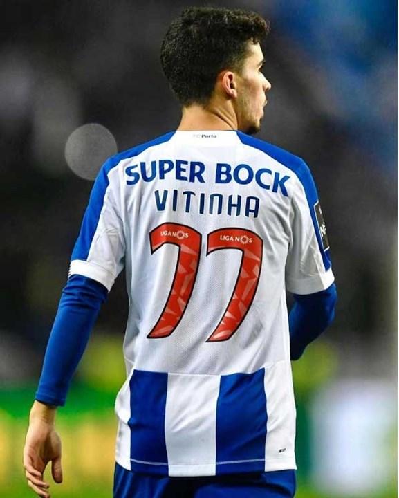 Vítor Ferreira, mais conhecido por Vitinha, pode rumar a Inglaterra por 20 milhões de euros