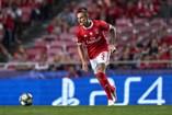 Fejsa está perto de consumar a saída do Benfica, sete anos depois de ter trocado o Olympiacos pela Luz. De acordo com os media locais, o internacional sérvio está a caminho da Arábia Saudita (Al-Ahli), depois de rescindir com os encarnados