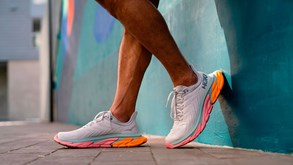 Hoka One One Clifton Edge: sempre a inovar