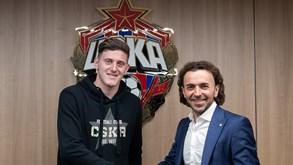 CSKA Moscovo confirma contratação de avançado que estava na mira do Benfica