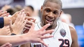 Demond Carter reforça a equipa de basquetebol do Benfica