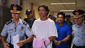 Ronaldinho está no 'xadrez' há 5 meses: Craque apresenta proposta de acordo