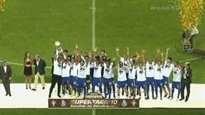 «Há 10 anos demos início a uma época inesquecível»: FC Porto recorda conquista da Supertaça em 2010