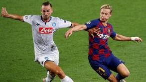 De Jong e o doloroso motivo para defrontar o Nápoles com ligadura na mão