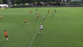Raphaël Guerreiro em modo mágico no treino do Borussia Dortmund