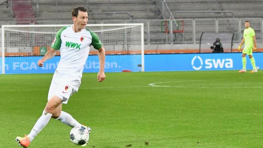 Lichtsteiner termina carreira devido ao adiamento do Euro'2020