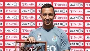 Marchesín recebeu galardão de guarda-redes do ano: «Já preparado para o que aí vem»