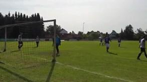 Futebol com distanciamento físico? É mais ou menos assim e não correu bem: equipa alemã foi goleada por 37-0