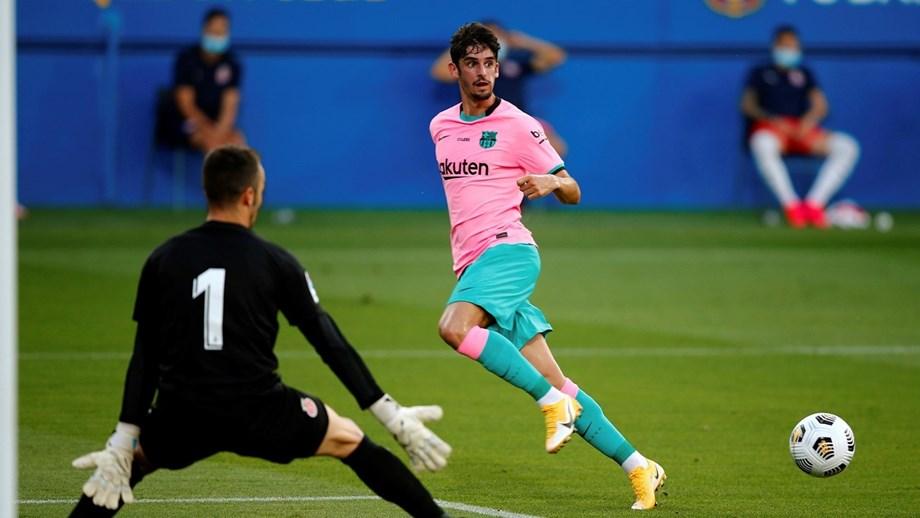 CLASSE. Trincão assistiu para o primeiro golo do Barcelona